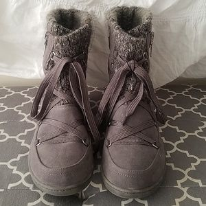 Quilted Grey Winter Sweater Boots